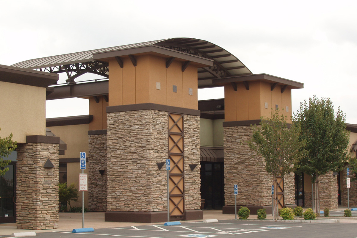 DA Fenolio Construction Management & Design turlock Ca New Commercial Center Entry